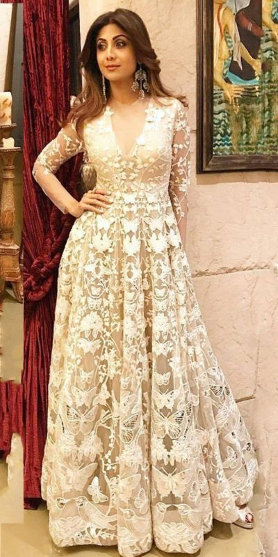 silpa-shetty-stunning-look-with-off-white-nylon-mono-net-gown