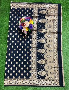black-banarasi-silk-weaving-jacquard-saree-with-heavy-rich-zari-pallu