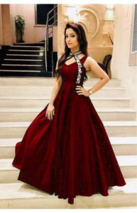 luxurious-look-with-red-taffeta-satin-thread-work-gown