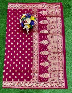magenta-banarasi-silk-weaving-jacquard-saree-with-heavy-rich-zari-pallu