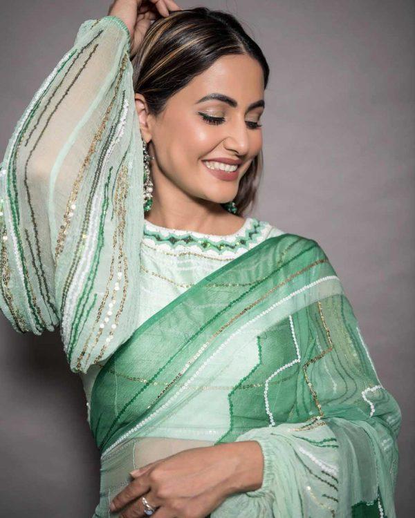 beautiful-hina-khan-in-light-green-color-digital-printed-saree