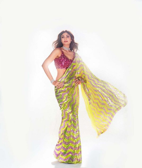 gorgeous-shilpa-shetty-in-green-pink-sequence-party-wear-saree