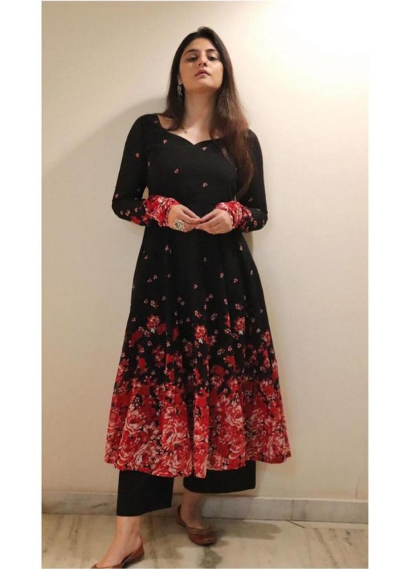 marvelous-black-color-georgette-with-printed-party-wear-gown