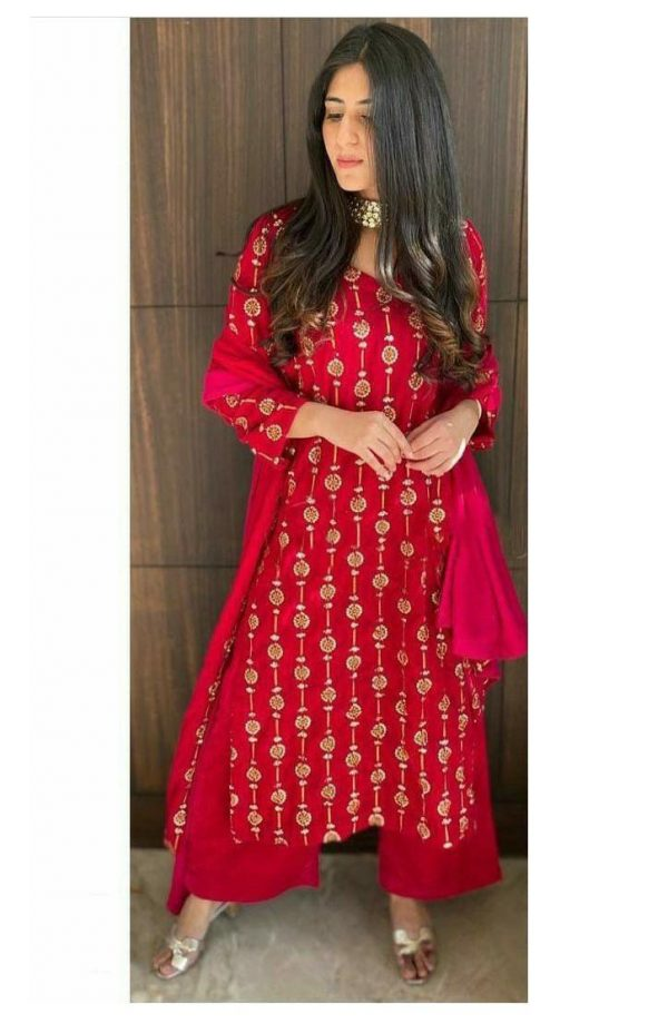 yankita-kapoor-in-beautiful-red-color-embroidery-plazzo-suit