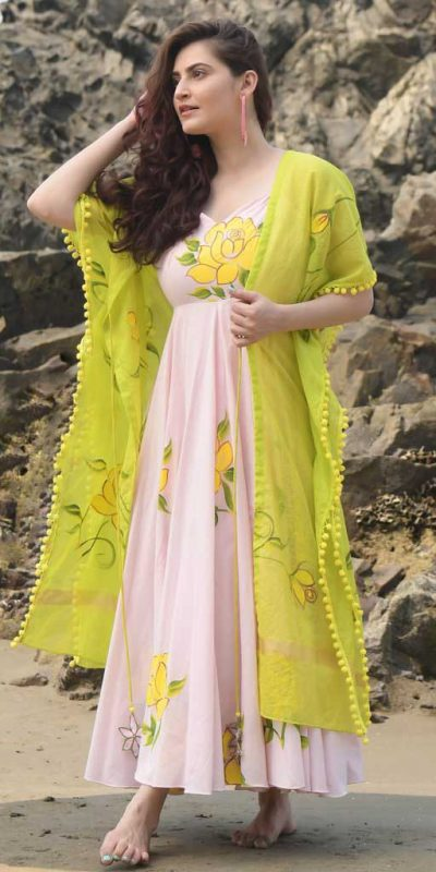 latest-attractive-baby-pink-color-soft-georgette-party-wear-gown