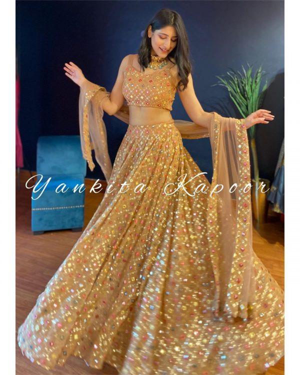 latest-stunning-yankita-kapoor-golden-color-bridal-lehenga