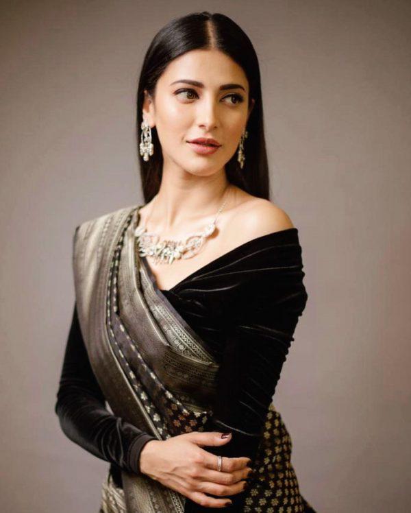 dazzling-shruthi-haasan-in-black-color-jacquard-work-designer-pattu-saree