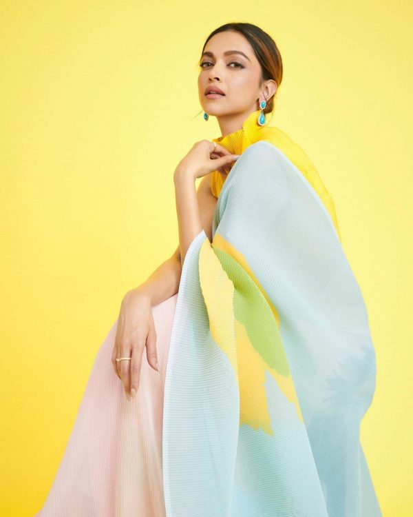 gorgeous-deepika-padukone-multi-color-blooming-georgette-saree